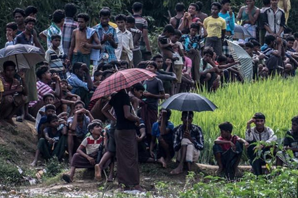 Muson yağmurları Arakanlı mültecileri vurdu