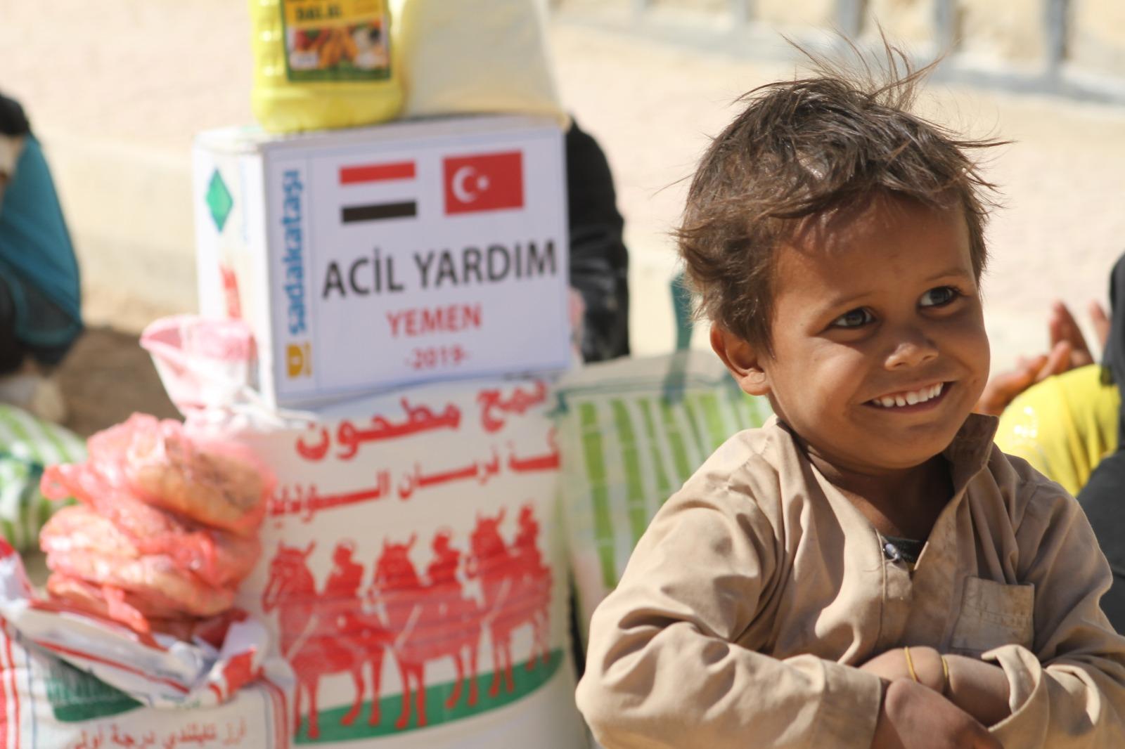 Yemen'in yaralarını sarıyoruz