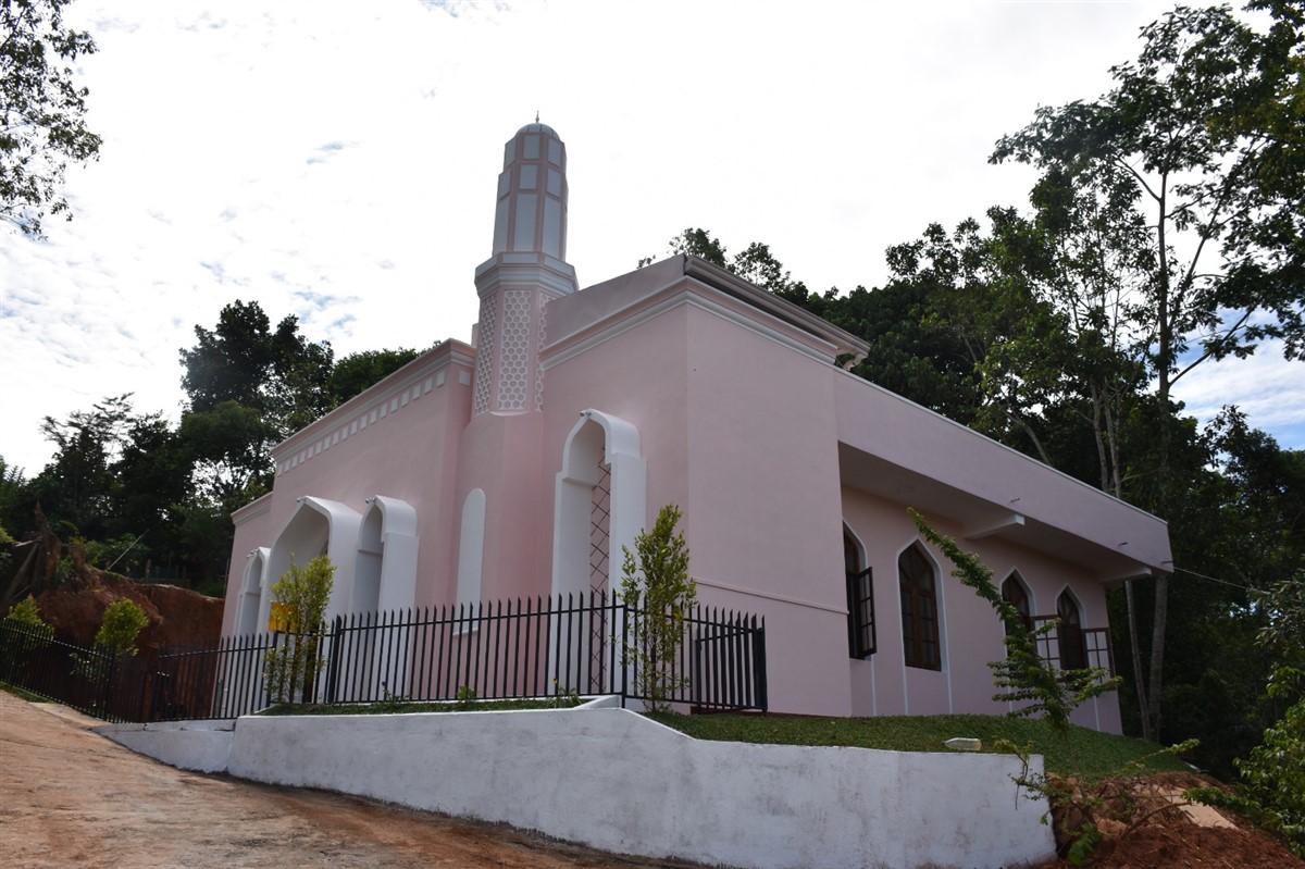 15 Temmuz Şehidi Halil Kantarcı'nın adı Sri Lanka'da yapılan camide yaşatılıyor.