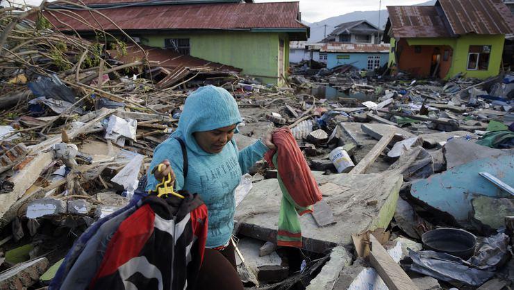 Endonezya'da 7,4 büyüklüğünde deprem