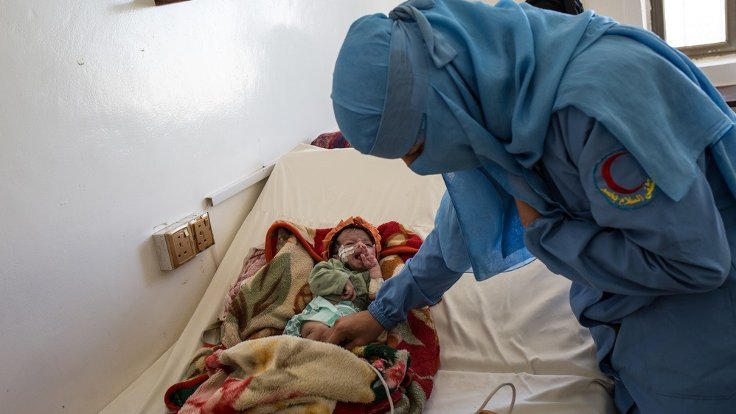 Yemen'de her 2 saatte 1 anne ve 6 çocuk ölüyor