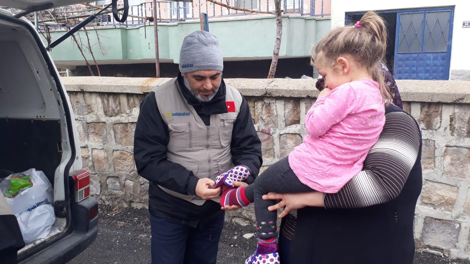 Lübnan ve Türkiye'de kış yardımı